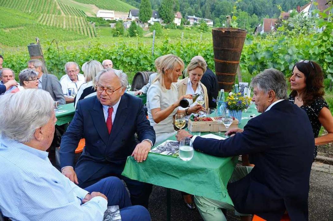 Mitten im Fessenbacher Burda-Weinberg,...chst, kamen die Burda-Brüder zusammen.  | Foto: Ralf burgmaier