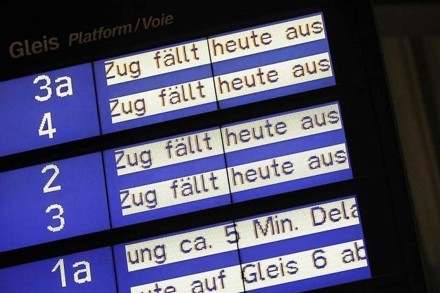 Nach zwei Unfällen auf der Rheintalstrecke gibt es Verspätungen – Freiburger Hauptbahnhof wieder frei