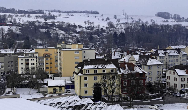 Auf dem freien Grundstück  links neben...ein neuer Bebauungsplan  aufgestellt.   | Foto: Peter gerigk