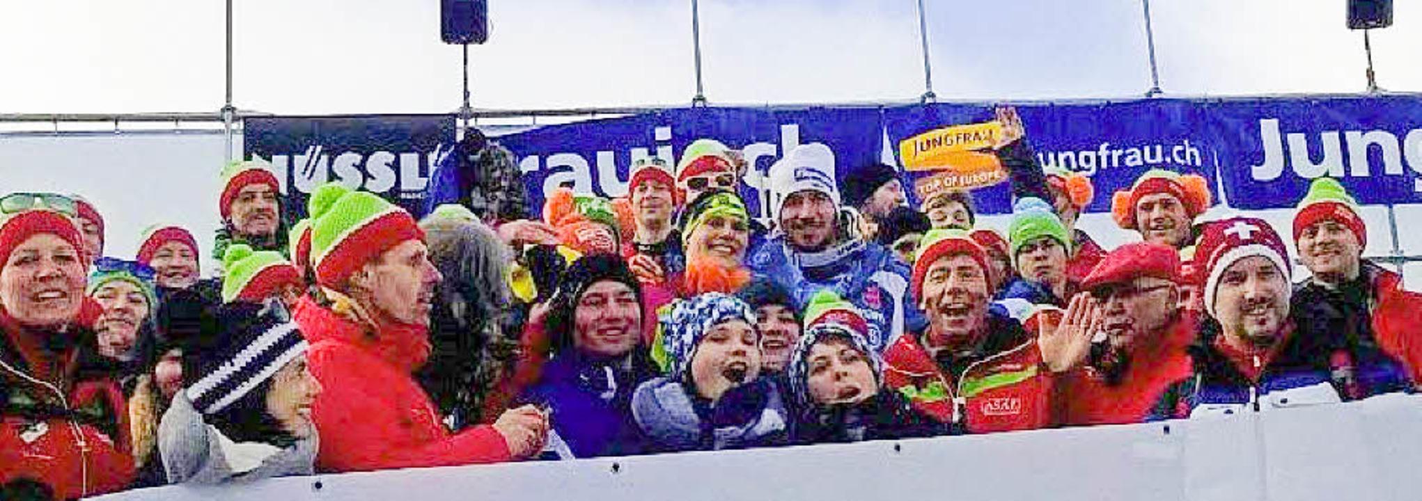 Beim Jubiläumsausflug des Skiclubs Tod...extra Zeit für ein Foto mit den Fans.   | Foto: privat