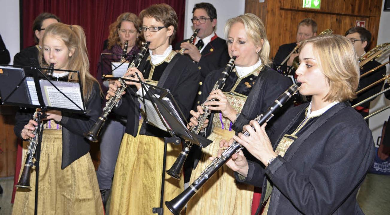 Die Trachtenkapelle Niederrimsingen spielte beim Neujahrsempfang.     Foto: Hans-Jochen Voigt