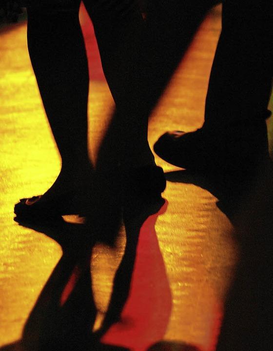 Tanzen beim Studentenball   | Foto: photocase.de/to-fo