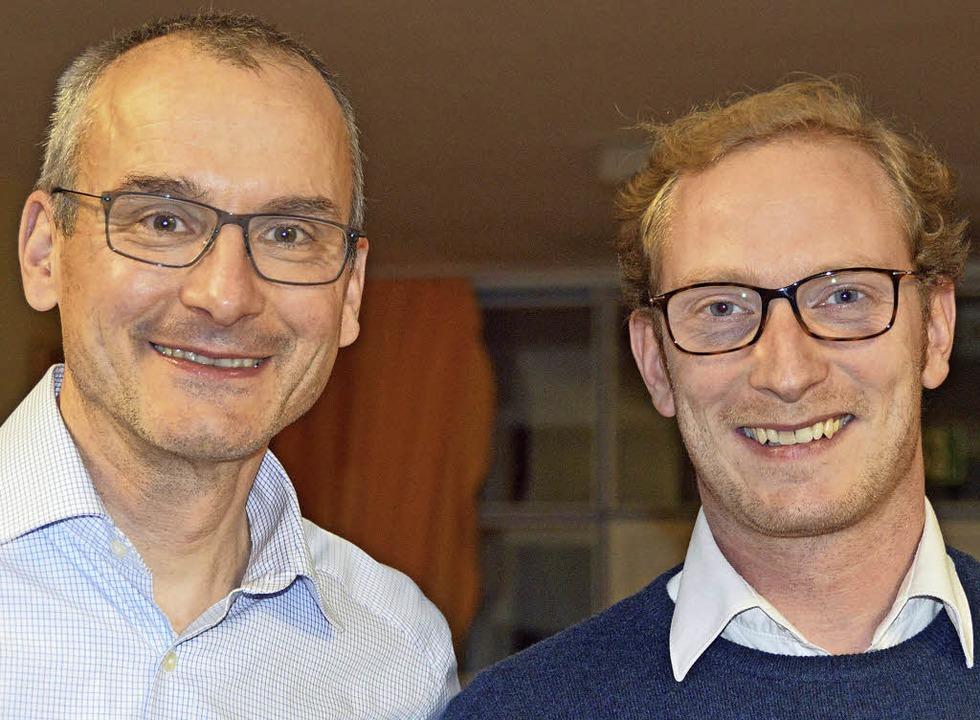 Als Nachfolger von Albrecht Philipp (l...des Schulfördervereins Thilo Schülke.   | Foto: Gerhard Lück