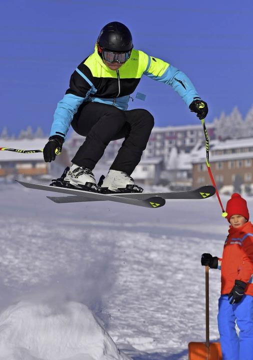 Freestyle über die Schanze.    Foto: Wolfgang Scheu
