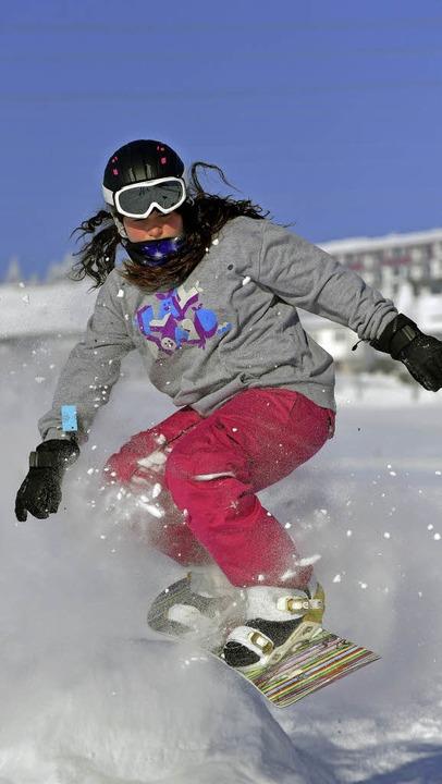 Mutiger Ritt auf dem Snowboard.    Foto: Wolfgang Scheu