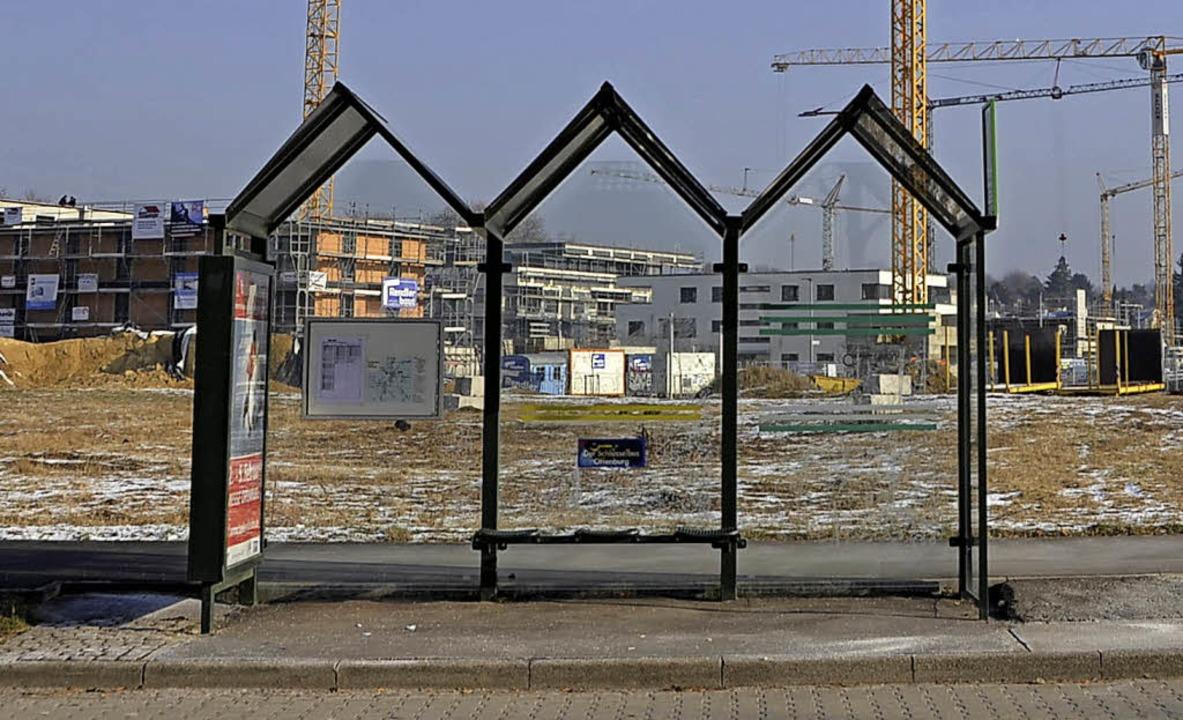 Wartehäuschen an der Ortenberger Straße beim Neubaugebiet Seidenfaden     Foto: Ralf Burgmaier