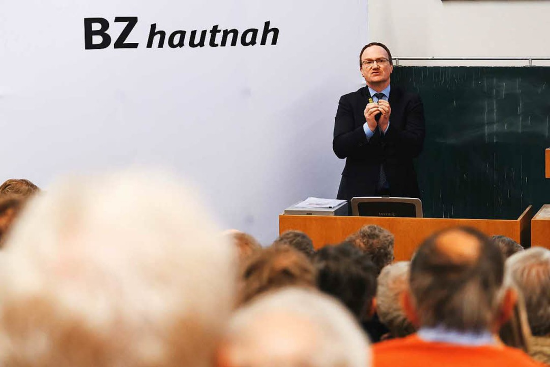 Streitgespräch in der Universität -Lars Feld  | Foto: Miroslav Dakov