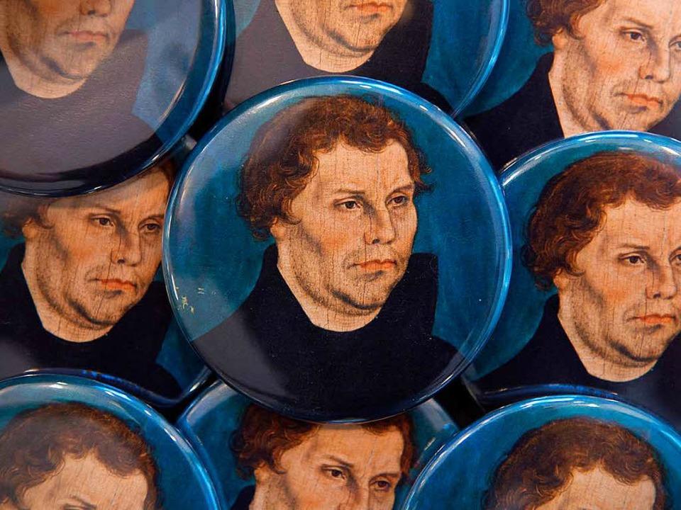 Martin Luther als Ansteckbutton    Foto: Sebastian Kahnert