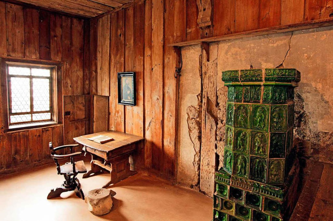 In diesem Raum  auf der Wartburg soll Luther das Neue Testament übersetzt haben.  | Foto: Thüringer Tourismus GmbH