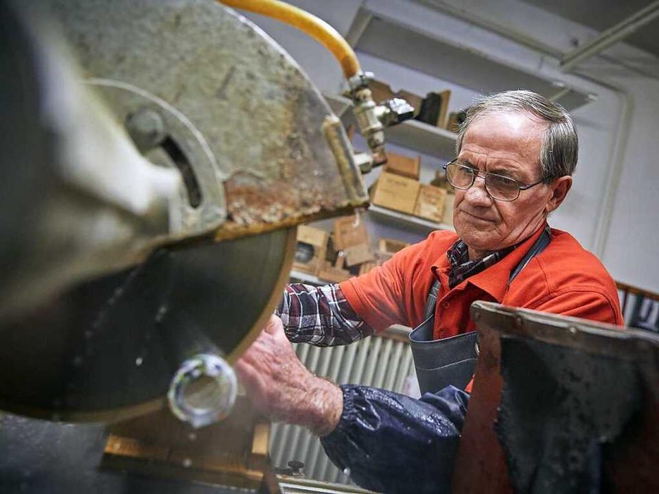 Johann Polimtag an seinem neuen Arbeitsplatz   | Foto: Arbeitsagentur