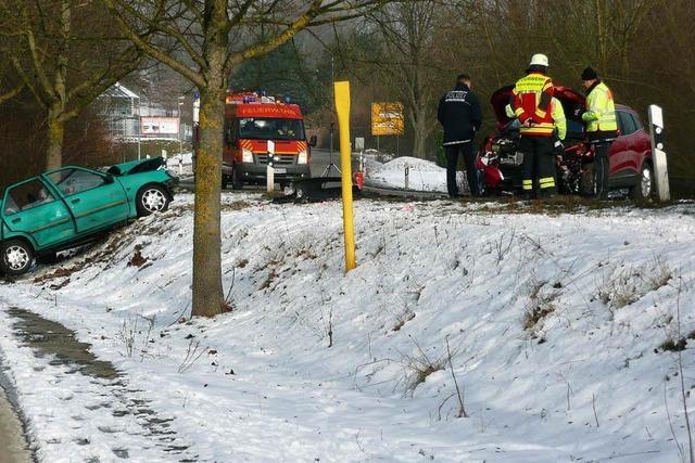 Zwei Schwerverletzte bei Frontalkollision in Rheinfelden