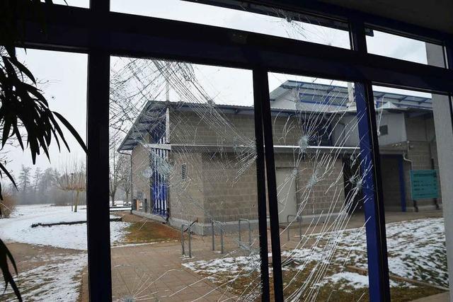 Einbrecher wüten in Marcher Schule – Schaden geht in Zehntausende