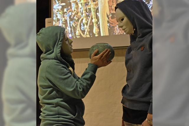 Von Masken – und was passiert, wenn man sie ablegt