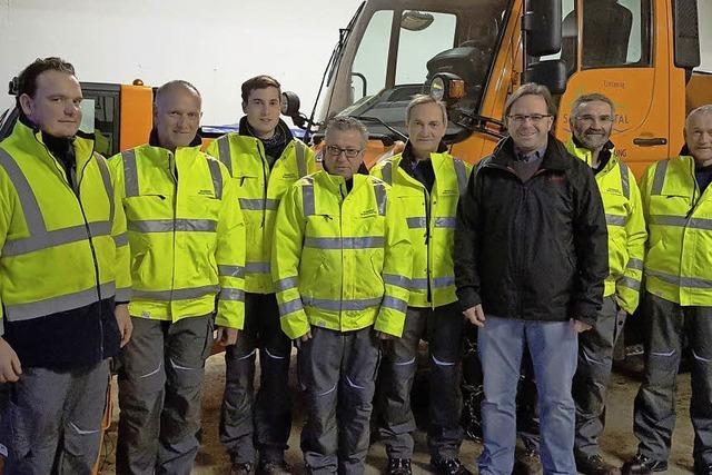 Neue Arbeitsanzüge für Bauhof
