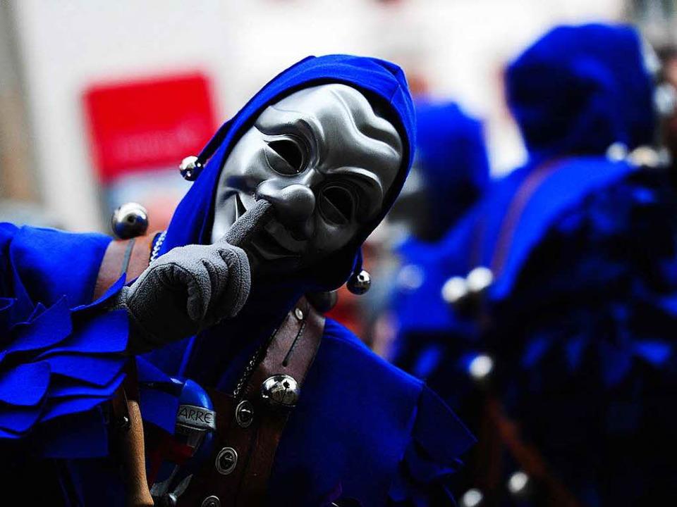 Ein Blauer Narr auf dem Rosenmontagsumzug 2016  | Foto: Miroslav Dakov