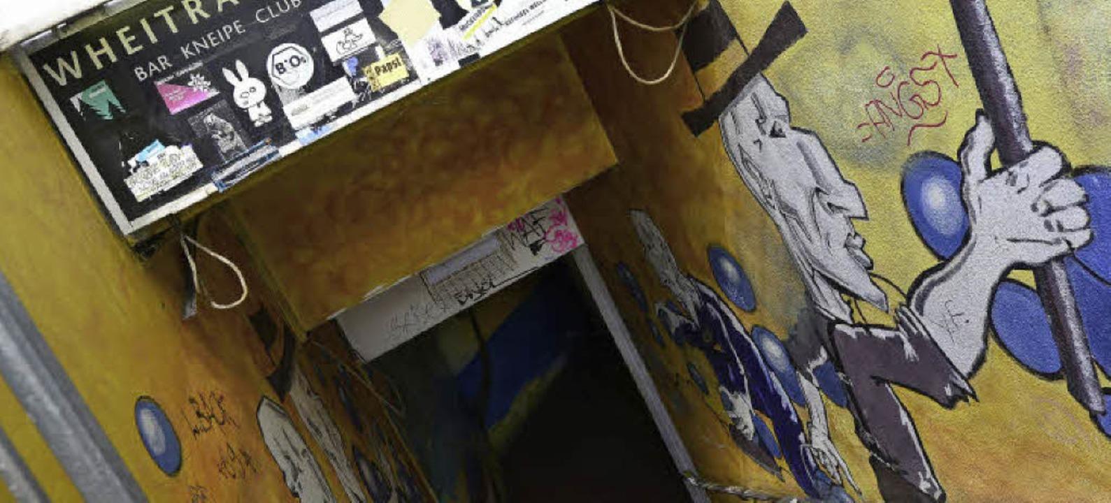 Nach dem Angriff  auf der Damentoilett...dt wurde der 21-Jährige festgenommen.   | Foto: Schneider