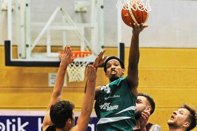 Basketballer vom CVJM Lörrach schlagen TV Bad Säckingen