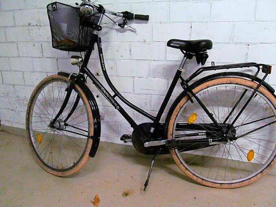<ppp>dieses Damenrad der Marke Zündapp...nach den rechtmäßigen Besitzern.</ppp>  | Foto: Polizei Freiburg