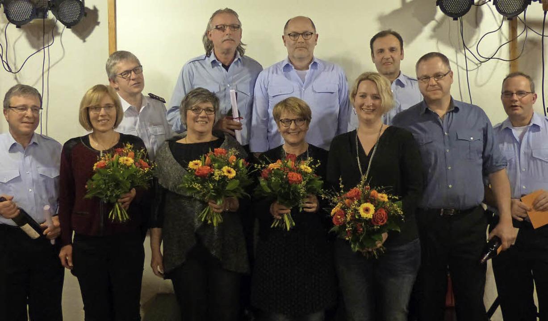 Beim Familienabend der Stadtabteilung ...gesamt 220 Jahre Einsatzdienst geehrt.    Foto: Lenke