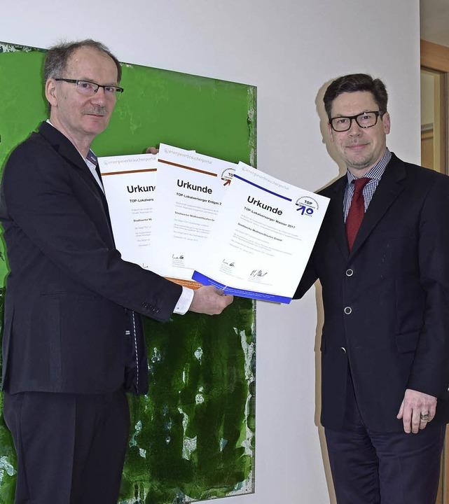 Top bei Gas, Strom und Wasser: Uwe Pöh...twerke-Geschäftsführer Jochen Fischer.  | Foto: Stadtwerke