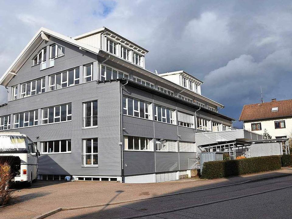 Im Erdgeschoss des ehemaligen FSM-Gebäudes zieht die Bergwacht ein.  | Foto: Markus Donner