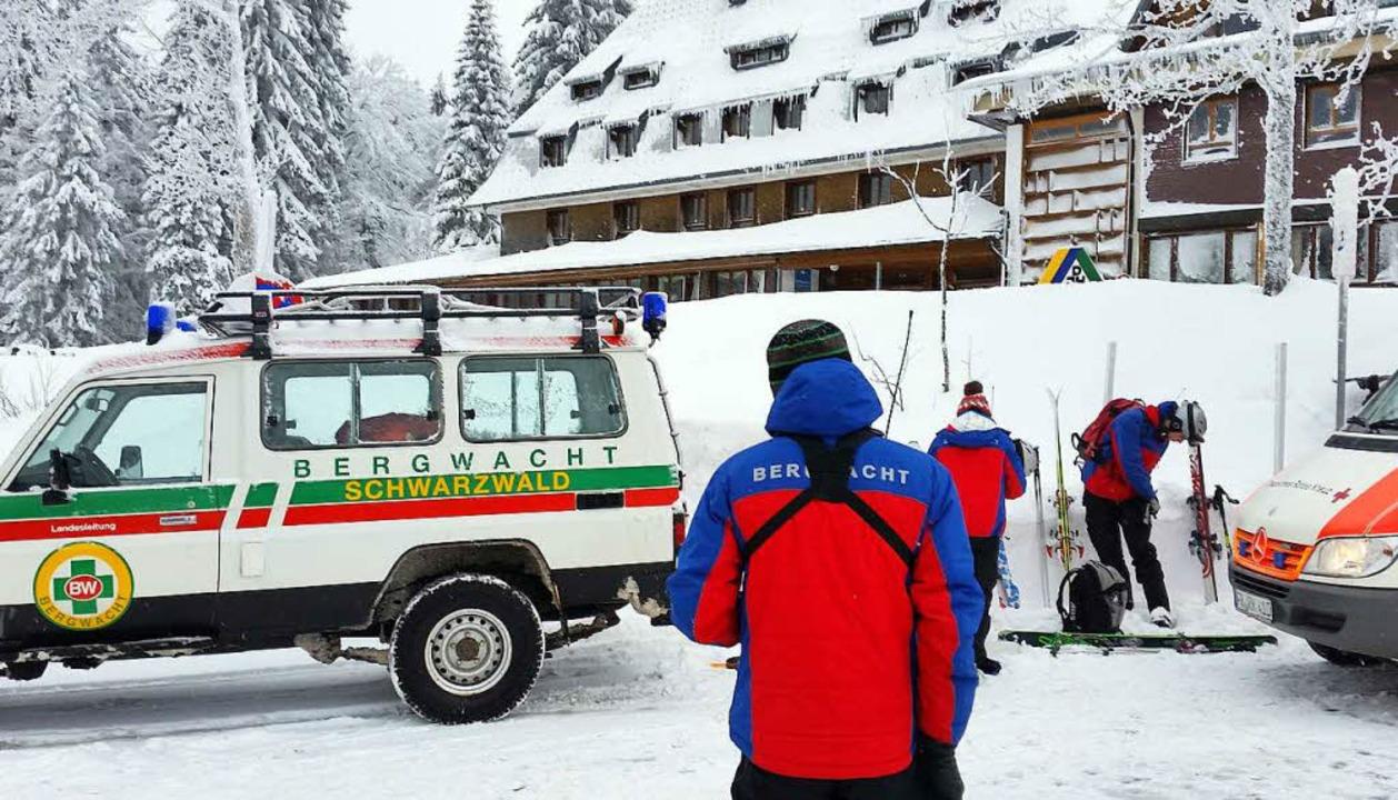 Die Bergwacht im Einsatz am Feldberg.  | Foto: dpa