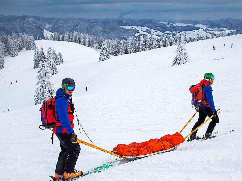 Hier wird nur geübt, damit im Ernstfal...renamtliche der Bergwacht Schwarzwald.  | Foto: Benedikt Asal Bergwacht
