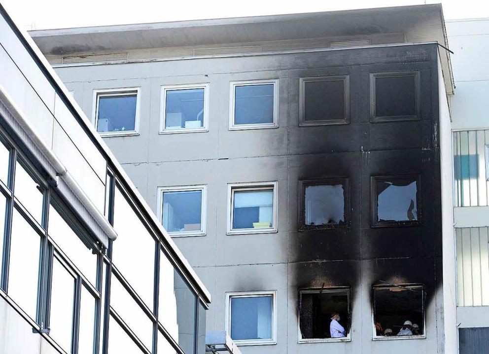 Ausgebrochen war das Feuer im vierten ... gestanden, es selbst gelegt zu haben.  | Foto: Ingo Schneider