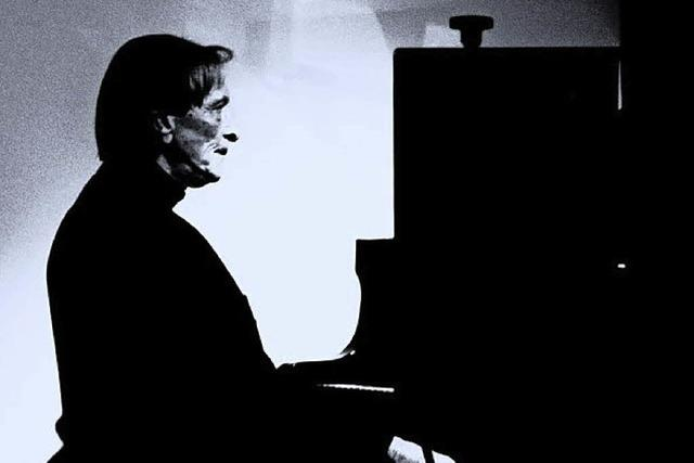 Piano machen fällt Hans Deyssenroth relativ schwer