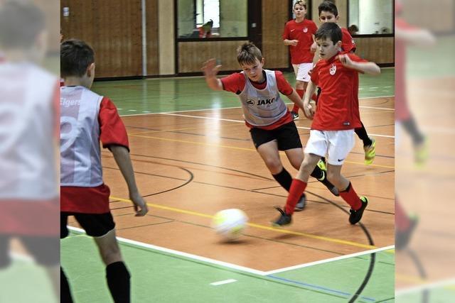700 junge Kicker kämpften um die Offenburger Stadtmeisterschaft im Hallenfußball