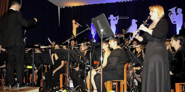 Gefeierte Klarinetten-Solistin  des Wo...Musikvereinskonzertes war Maria Krey.   | Foto: Walter Bronner