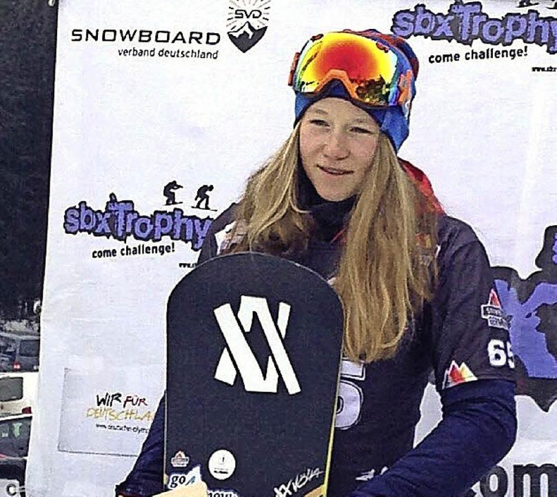 Jana Fischer fuhr im Europacup-Rennen ...damit den DM-Titel im Snowboardcross.   | Foto: zvg