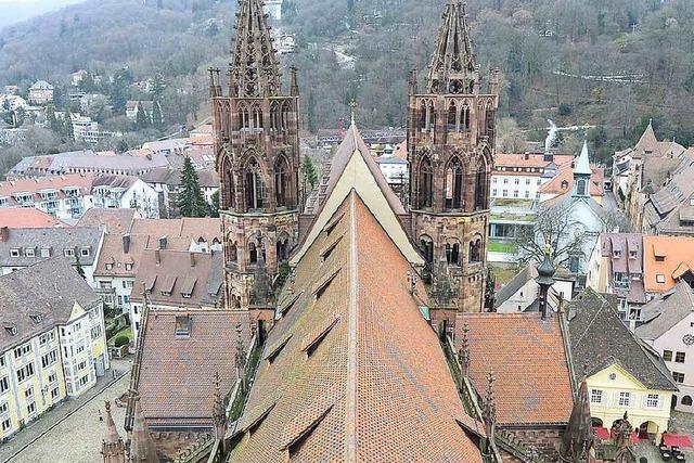 Unbekannte stiehlt 88-Jähriger im Münster die Handtasche
