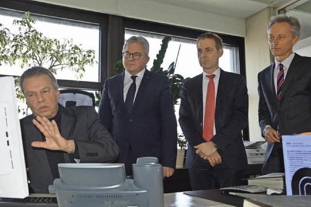 Justizminister Guido Wolf besuchte neue Lörracher Grundbucheinsichtsstelle