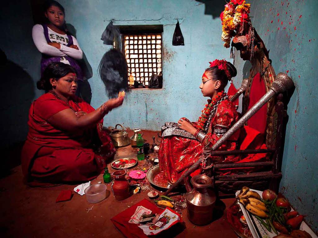 Nepali mädchen aus online