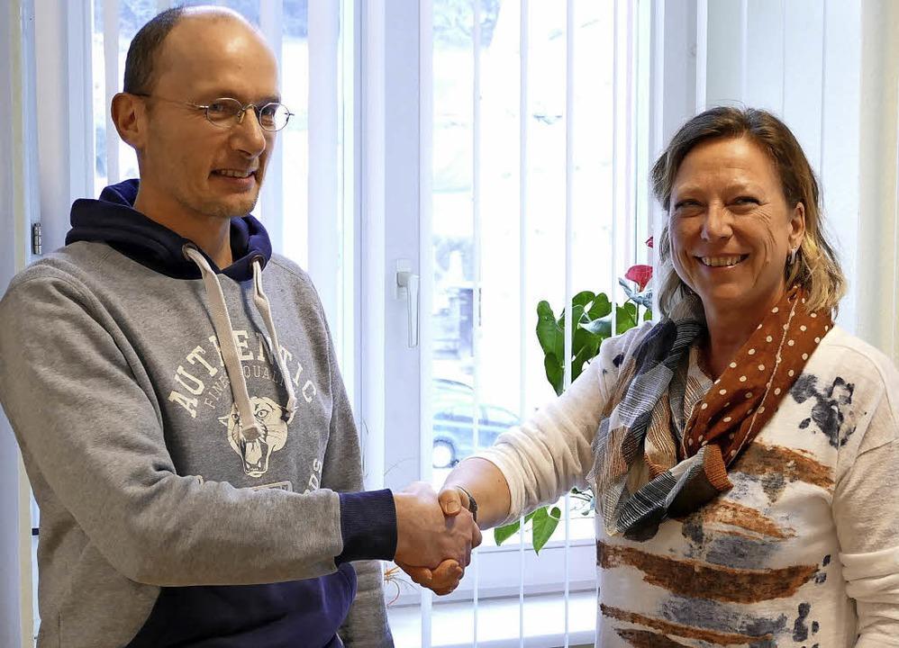 Willkommen im Team: Isolde Schäfer und...r im Stühlinger Stadtbauamt arbeitet.   | Foto: Juliane Kühnemund