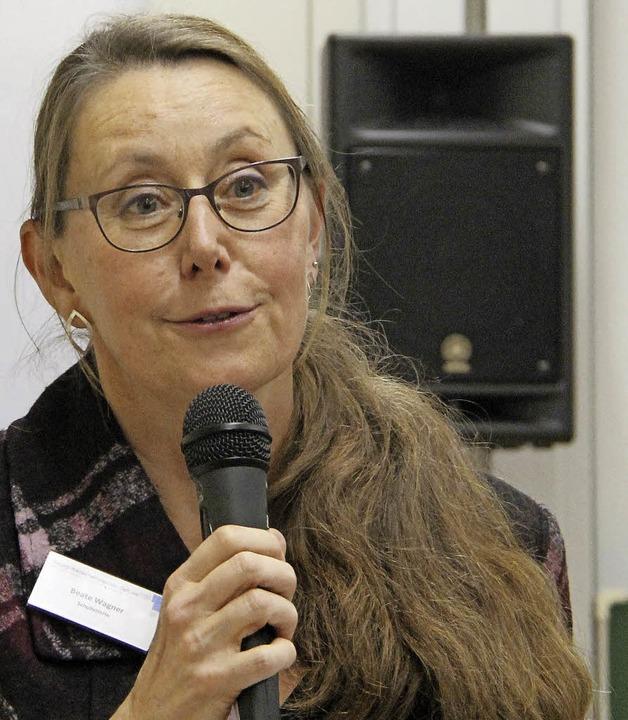 Die Gastgeberin: Schulleiterin Beate Wagner     Foto: Huber