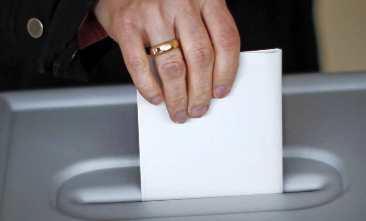Wer wird der nächste Bürgermeister von...en die Wähler am Sonntag entscheiden.   | Foto: dpa