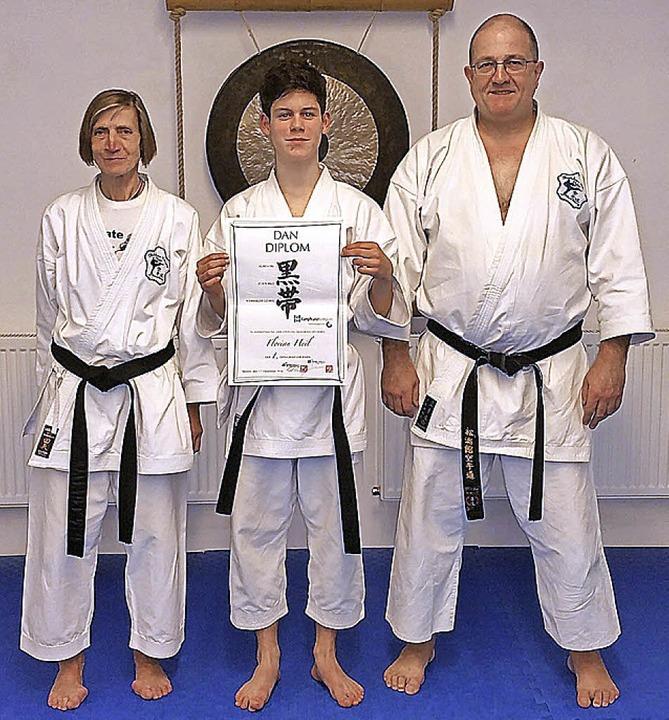<BZ-FotoAnlauf>Karate Dojo Tunsel:</BZ...üfern Irmi Klemm und Karl-Heinz König   | Foto:  Privat
