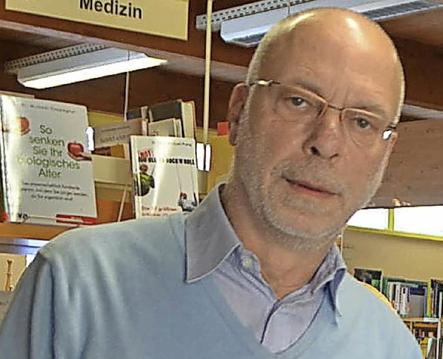 Die Stadt sucht einen Nachfolger für Bibliotheksleiter Kurt Menter.     Foto: Filz