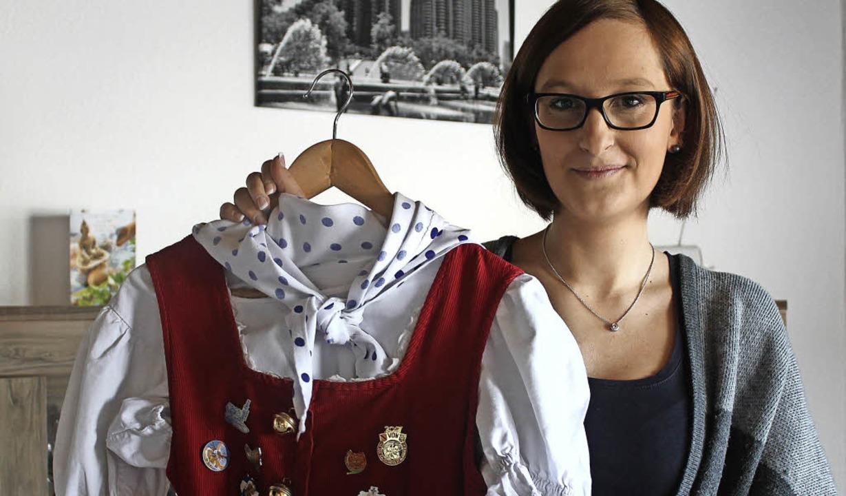 Michaela Böhler wird bald wieder in das Häs der Gaudi-Marie schlüpfen.  | Foto: Cornelia Liebwein