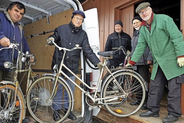 Die Fahrradwerkstatt des Flüchtlingshelferkreises in Kirchzarten hilft jetzt international