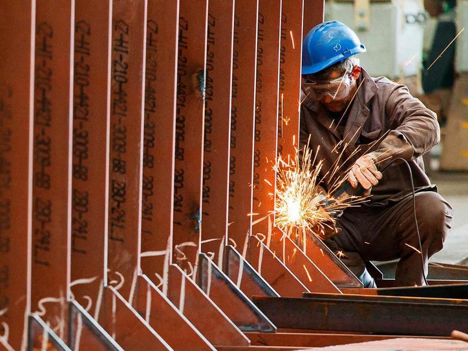 Auf dem Bau werden Fachkräfte gesucht.   | Foto: DPA