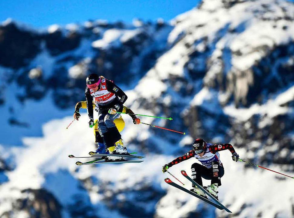 Die Skicrosser kämpfen trotz Wärme und den Weltcup. (Symbolbild)    Foto: AFP
