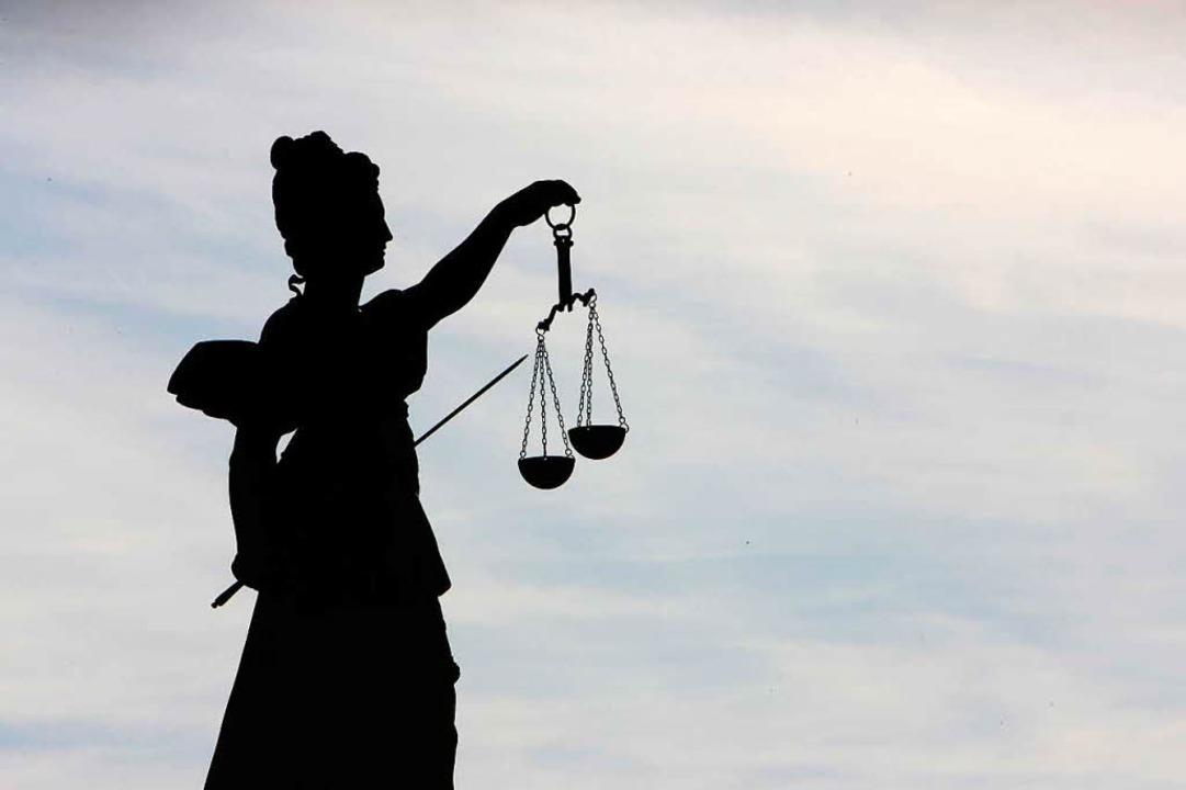 Zu zehn Monaten Haft ohne Bewährung ve...isacher Amtsgericht einen 25-Jährigen.    Foto: dpa-tmn