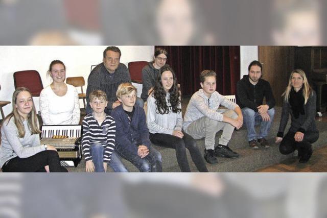 Kirchzartener Akkordeon-Nachwuchs rockt die Bühne