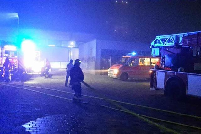 Rauch aus dem Blockheizkraftwerk ruft Feuerwehr auf den Plan