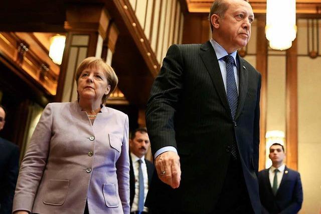 Merkel pocht bei Treffen mit Erdogan auf Meinungsfreiheit