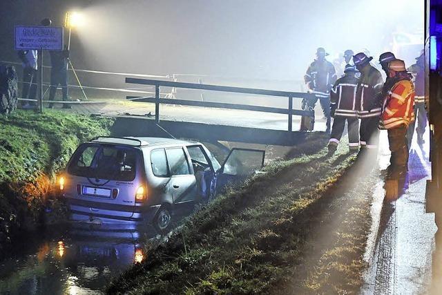 Autofahrer stirbt nach Unfall