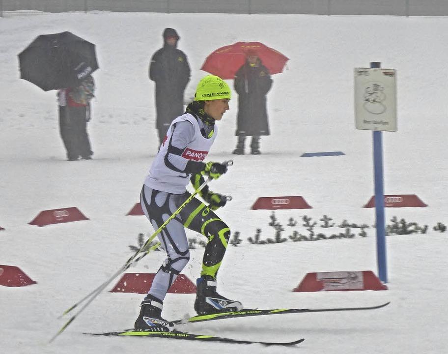 Auf Schnee  durch den Regen am Notschr...vom Kreisgymnasium in Titisee-Neustadt  | Foto: annemarie zwick